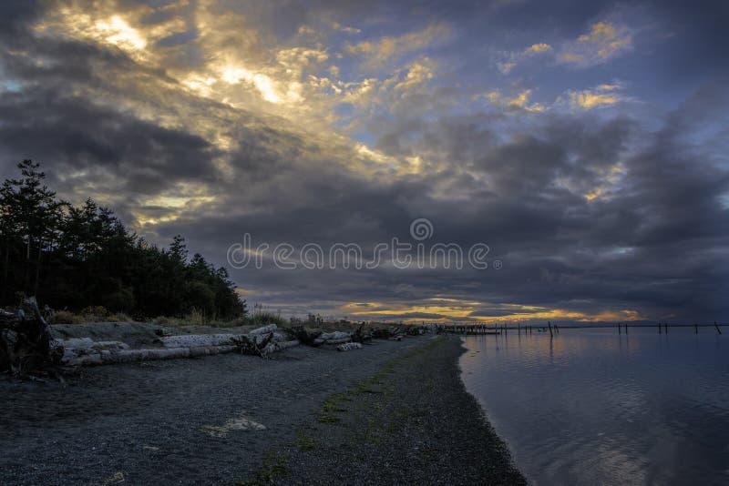 Sonnenuntergang Sequim Washington Beach lizenzfreies stockfoto