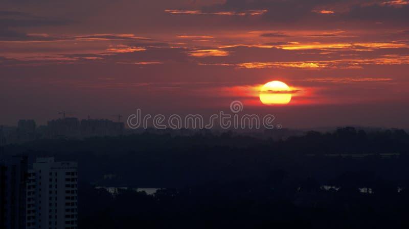 Sonnenuntergang-Stadt stockbilder