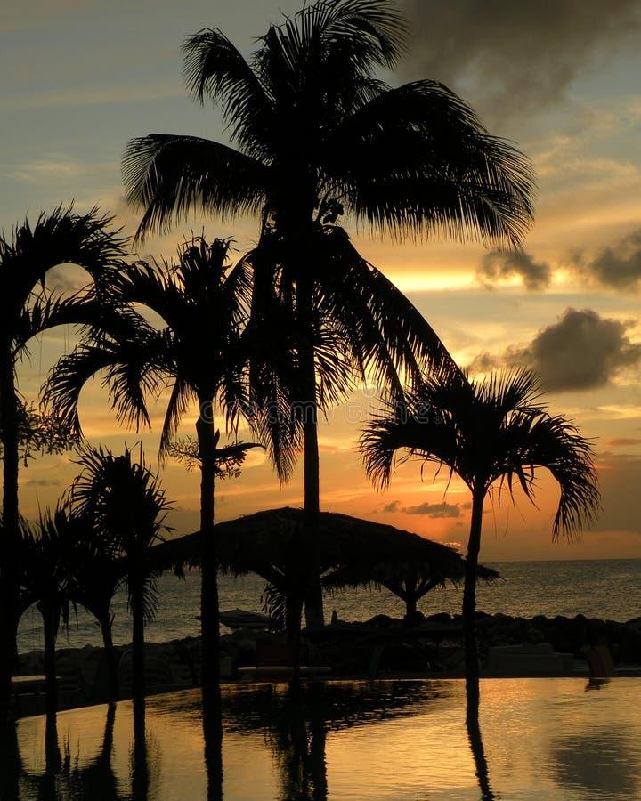 Sonnenuntergang in Str. Maarten stockfotografie