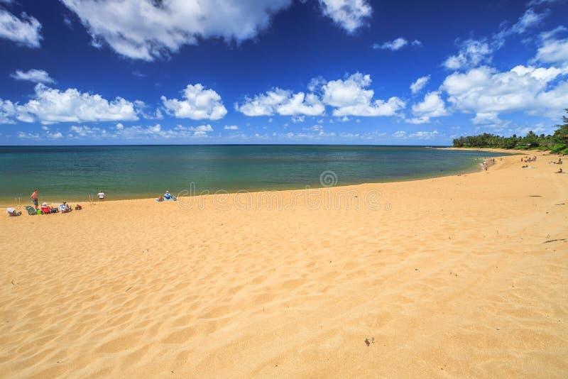 Sonnenuntergang-Strand Oahu lizenzfreies stockbild
