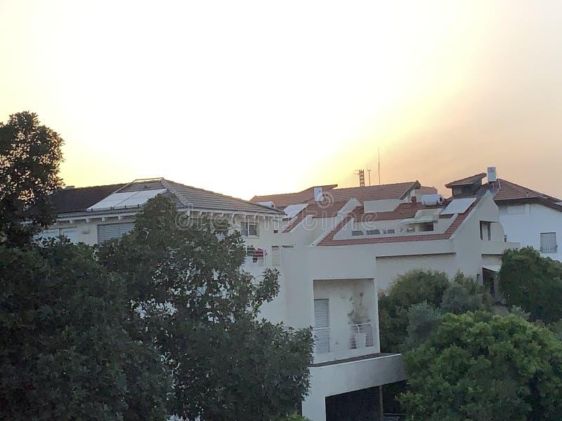 Sonnenuntergang in tel aviv stockfotos