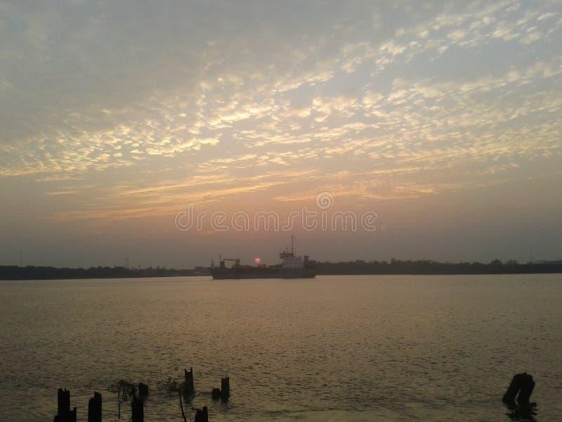Sonnenuntergang in Thailand stockbild