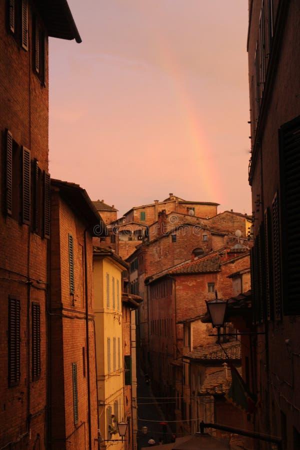 Sonnenuntergang in Toskana lizenzfreie stockbilder