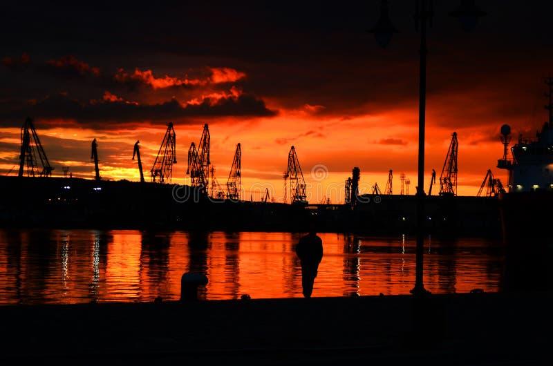 Sonnenuntergang um Meer stockbilder