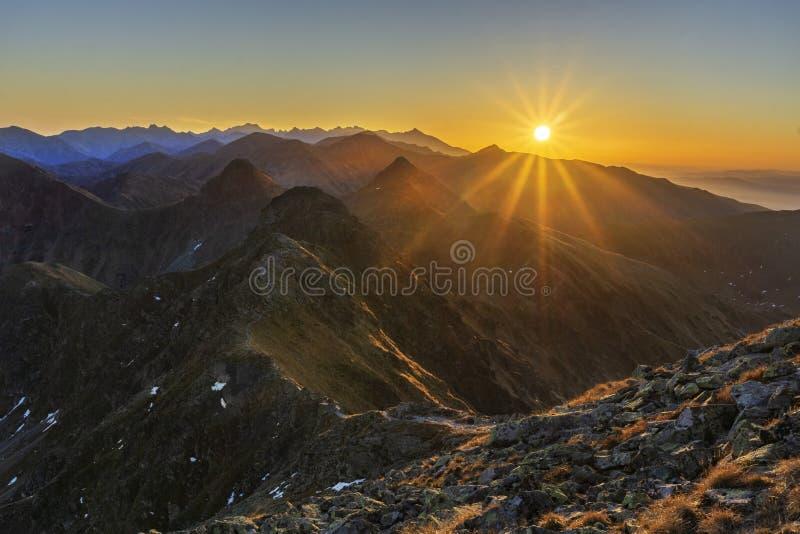 Sonnenuntergang von Hruba Kopa Berg West Tatras lizenzfreie stockbilder