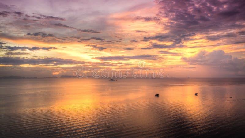 Sonnenuntergang von oben lizenzfreie stockfotos