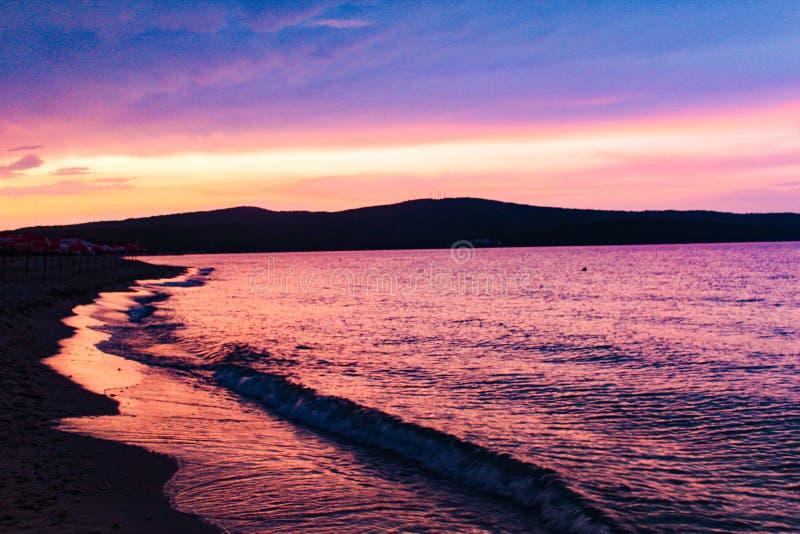 Sonnenuntergang von Primorskobulgarien stockbilder