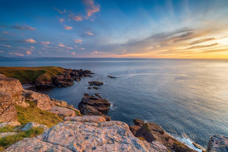 Sonnenuntergang von Stoer Head lizenzfreie stockbilder