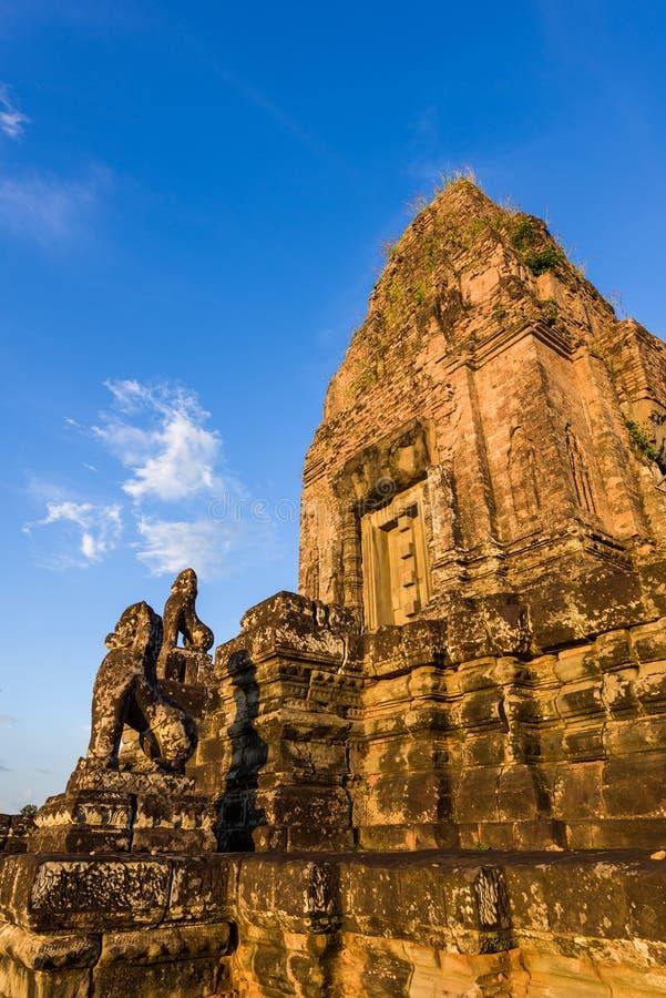 Sonnenuntergang an vor Rup-Tempel stockfotos