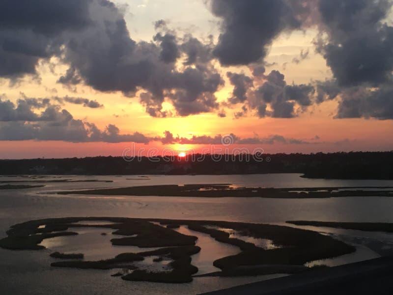 Sonnenuntergang-Wasser lizenzfreies stockfoto