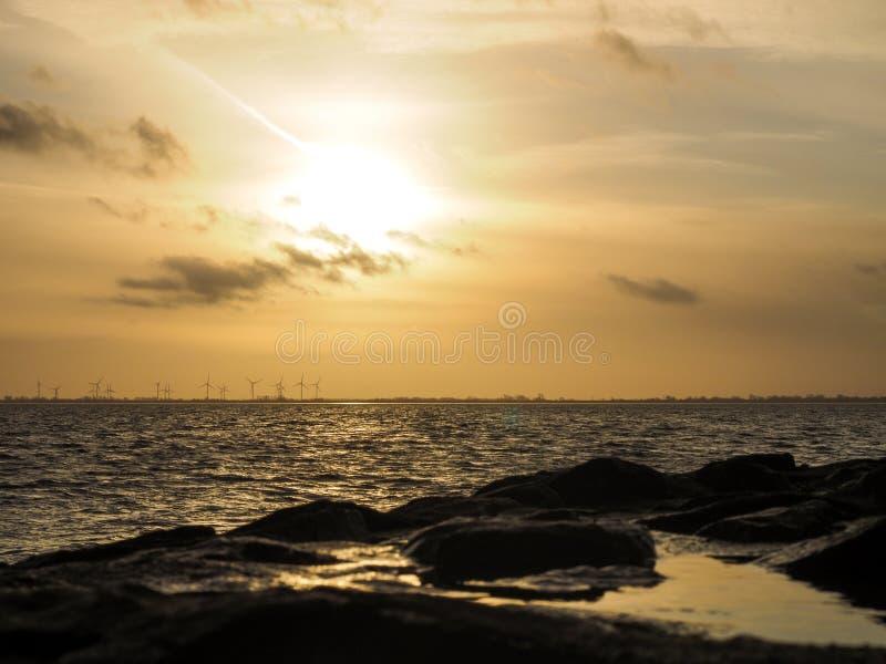 Sonnenuntergang in Wilhelmshaven lizenzfreies stockfoto