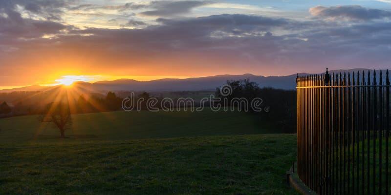 Sonnenuntergang in Worcestershire stockfotografie