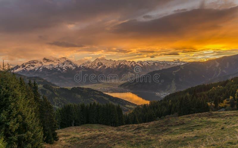 Sonnenuntergang in Zell morgens sehen lizenzfreie stockfotografie