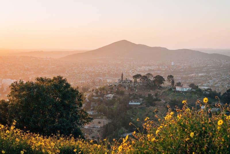 Sonnenuntergangansicht vom Berg-Helix in La Mesa, nahe San Diego, Kalifornien stockbilder