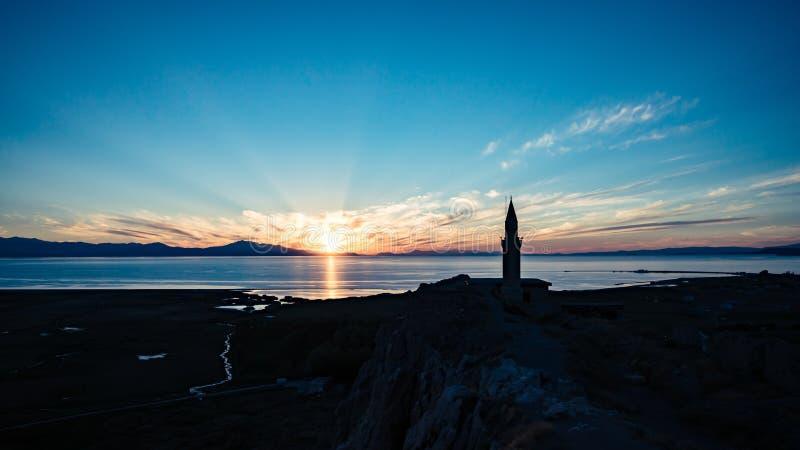 Sonnenuntergangansicht von der alten Festung von Van city in der Türkei lizenzfreie stockfotos