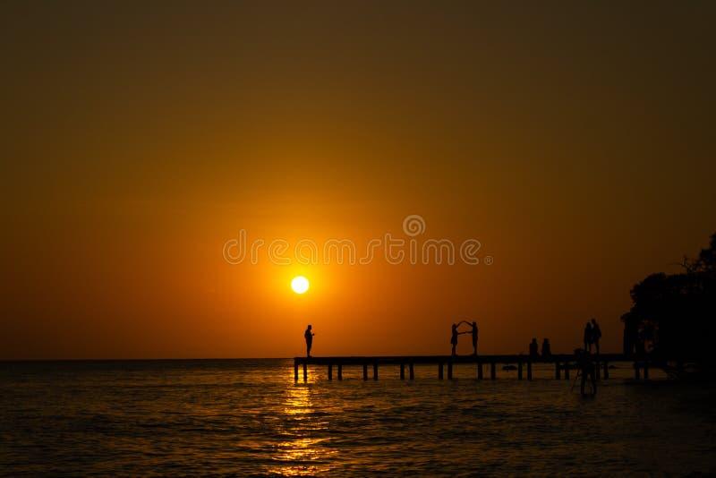 Sonnenuntergangdock stockfotos