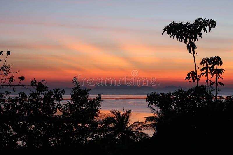 Sonnenunterganggischtwolken stockbilder