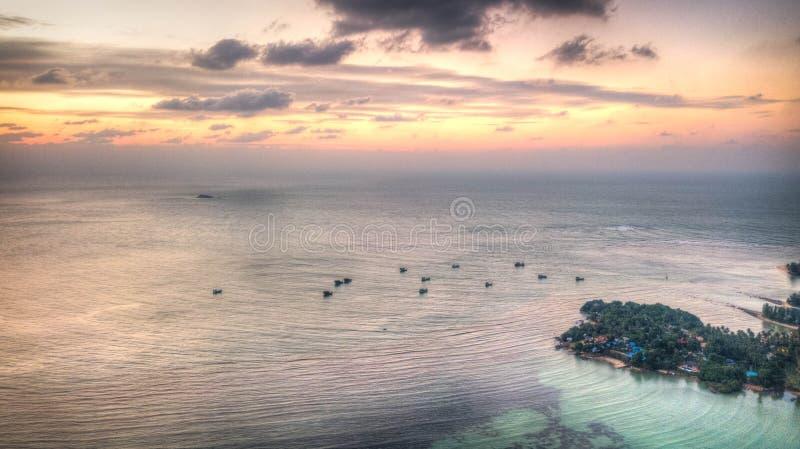 Sonnenuntergangozean von oben lizenzfreie stockbilder