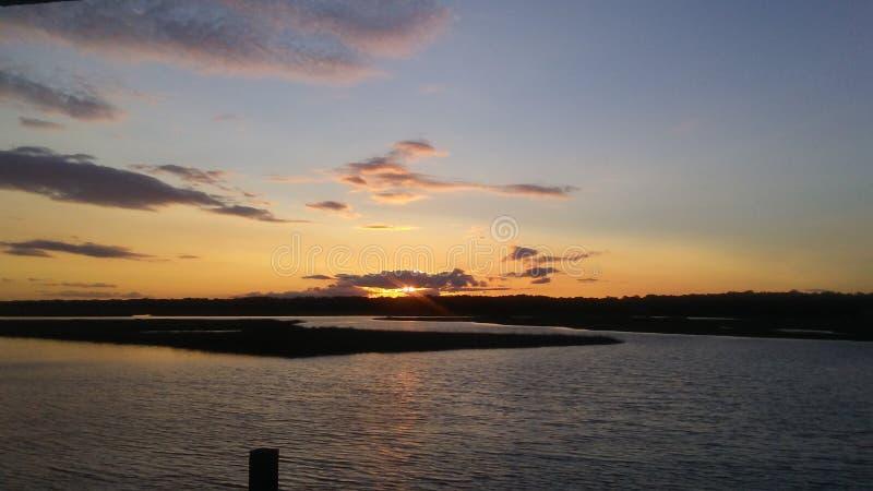 Sonnenuntergangozeaninsel stockbild