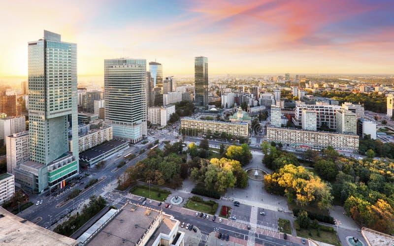 Sonnenuntergangpanorama von Warschau, Hauptstadt von Polen, Europa stockbilder