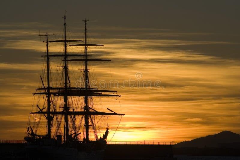 Sonnenuntergangsegelboot sillouette 01 lizenzfreie stockfotografie