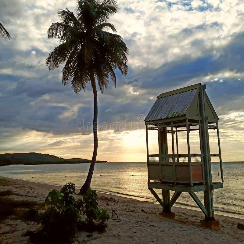Sonnenuntergangstrand Karibisches Meer stockbild