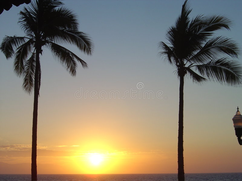 Sonnenuntergangstreifen stockfotos