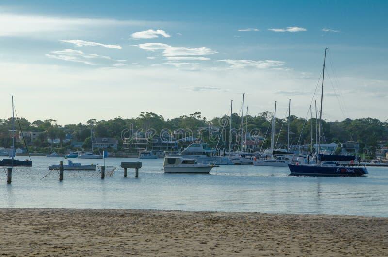 Sonnenuntergangzeit am zerhackenden Hafen, Cronulla lizenzfreies stockbild