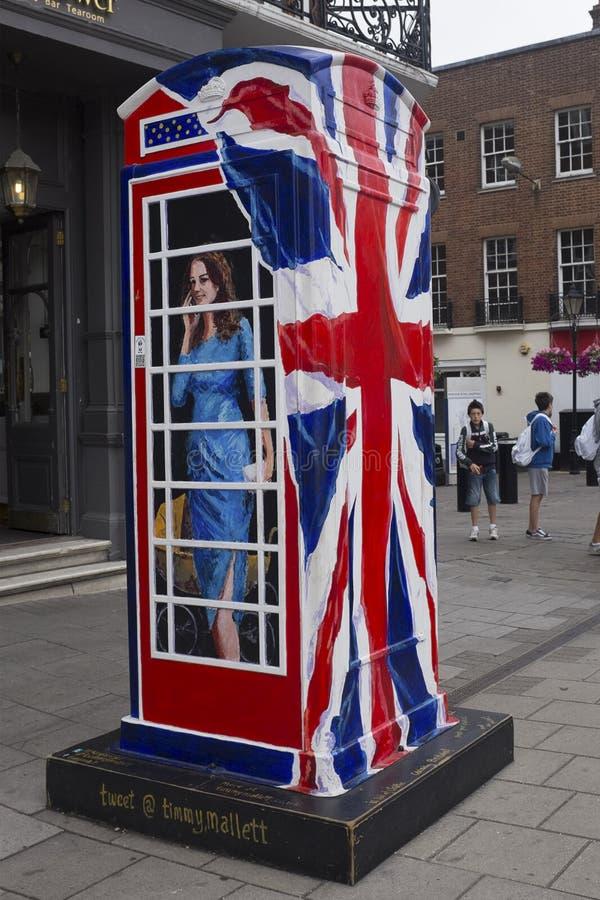 Sonnez une boîte royale de téléphone image libre de droits