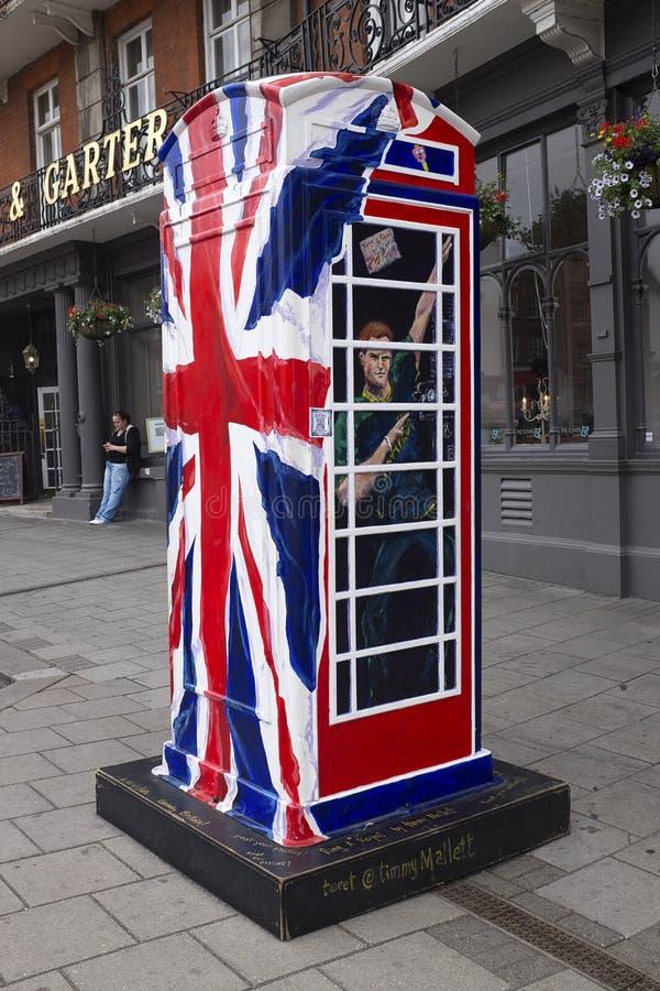 Sonnez une boîte royale de téléphone photos stock