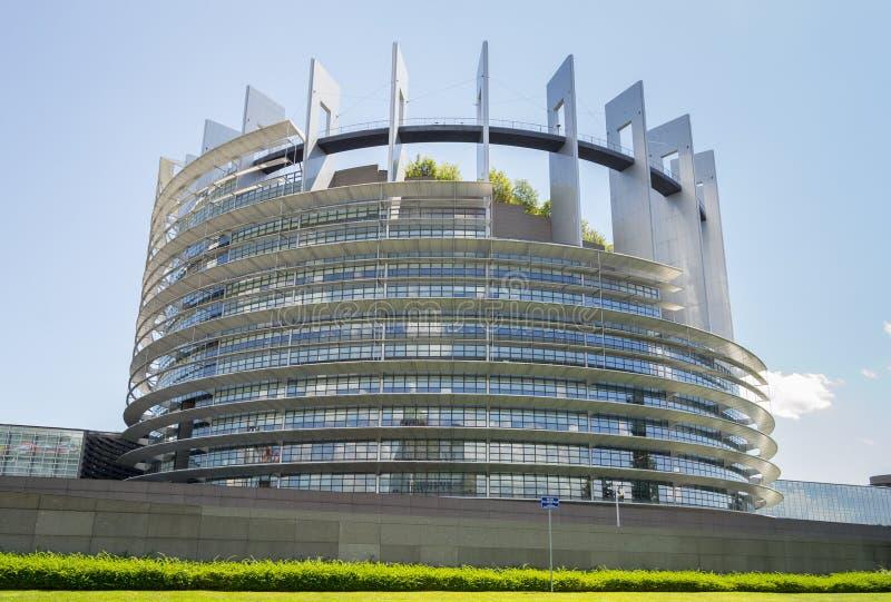 Sonnige Sommertage im Europäischen Parlament stockbilder