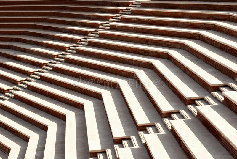 Sonnige Treppen lizenzfreies stockbild