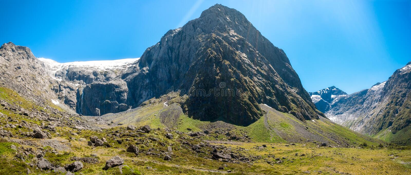 Sonniger Aspekt des Bergs Talbot Panorama, Neuseeland stockbild