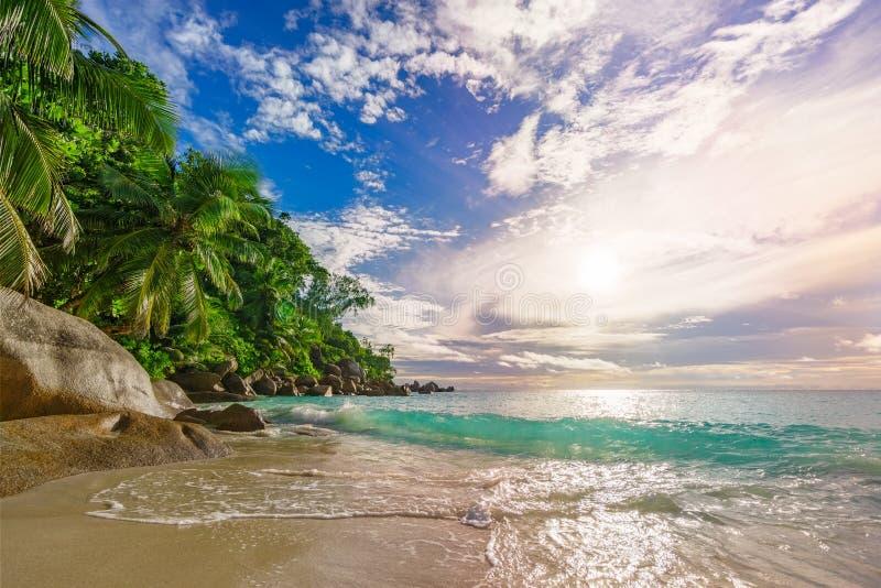 Sonniger Tag auf Paradiesstrand anse Georgette, praslin Seychellen 45 stockfoto