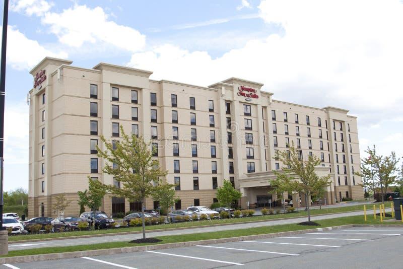 Sonniger Tag bei Hampton Inn in Dartmouth, besessen durch Hilton lizenzfreies stockbild
