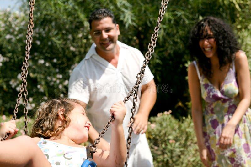 Sonniger Tag der Familie lizenzfreies stockbild