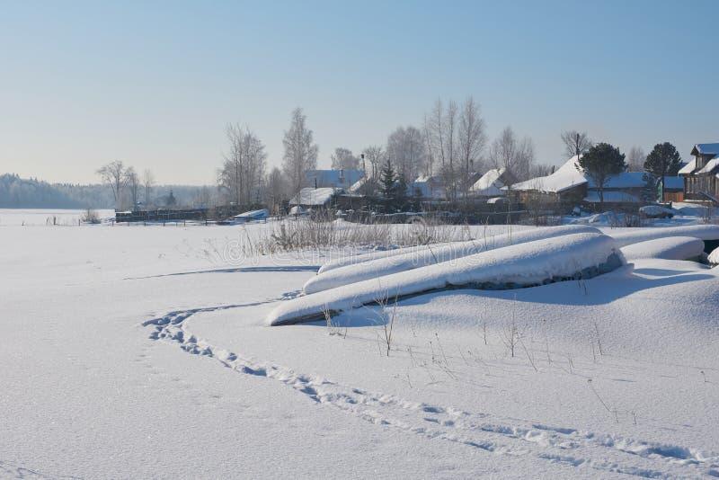 Sonniger Wintertag in Russland stockbild