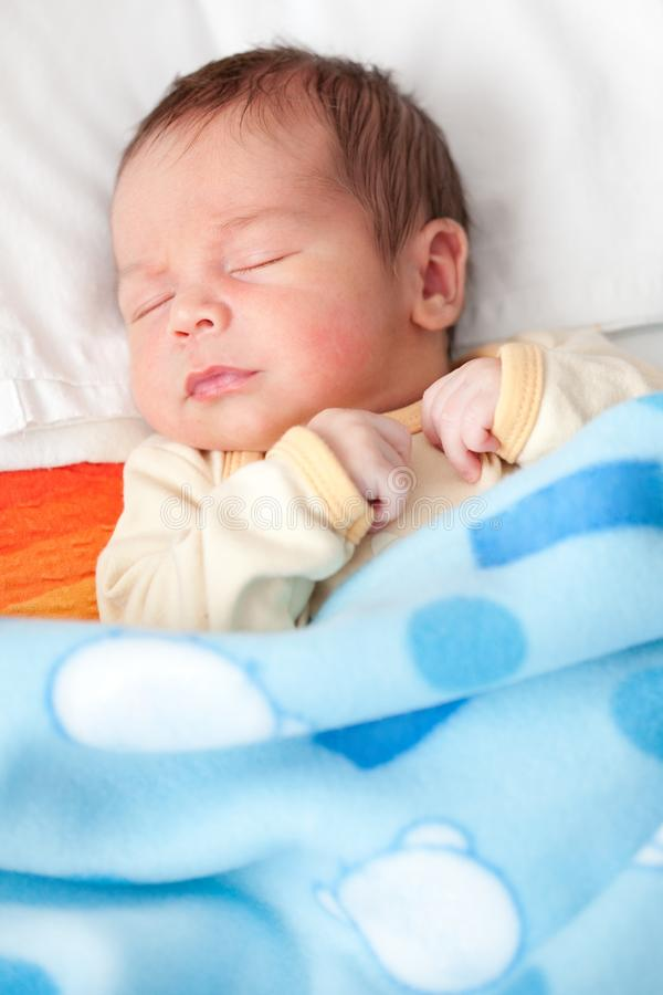 Sono recém-nascido do bebê foto de stock royalty free