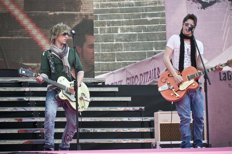 Sonohra: Luca Fainello. Famous brothers Luca and diego Fainello (Sonohra band) during their concert in Verona Arena (final party of Giro d'Italia stock image