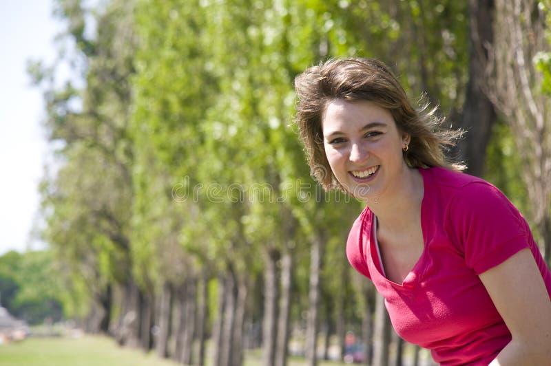 Sonrisa adolescente imagen de archivo libre de regalías