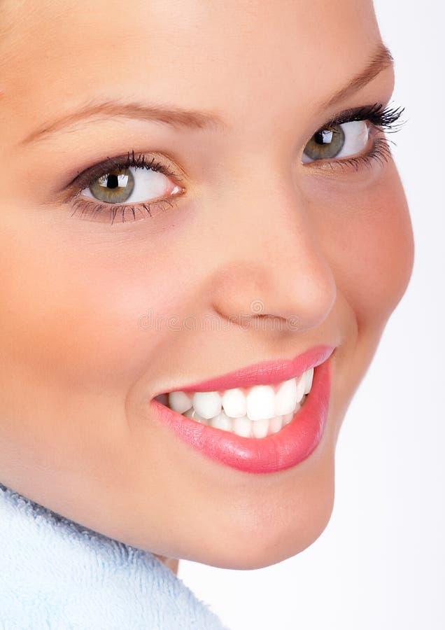 Sonrisa de la mujer imagenes de archivo