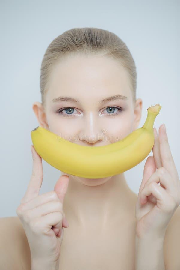 Sonrisa de un plátano imagen de archivo libre de regalías