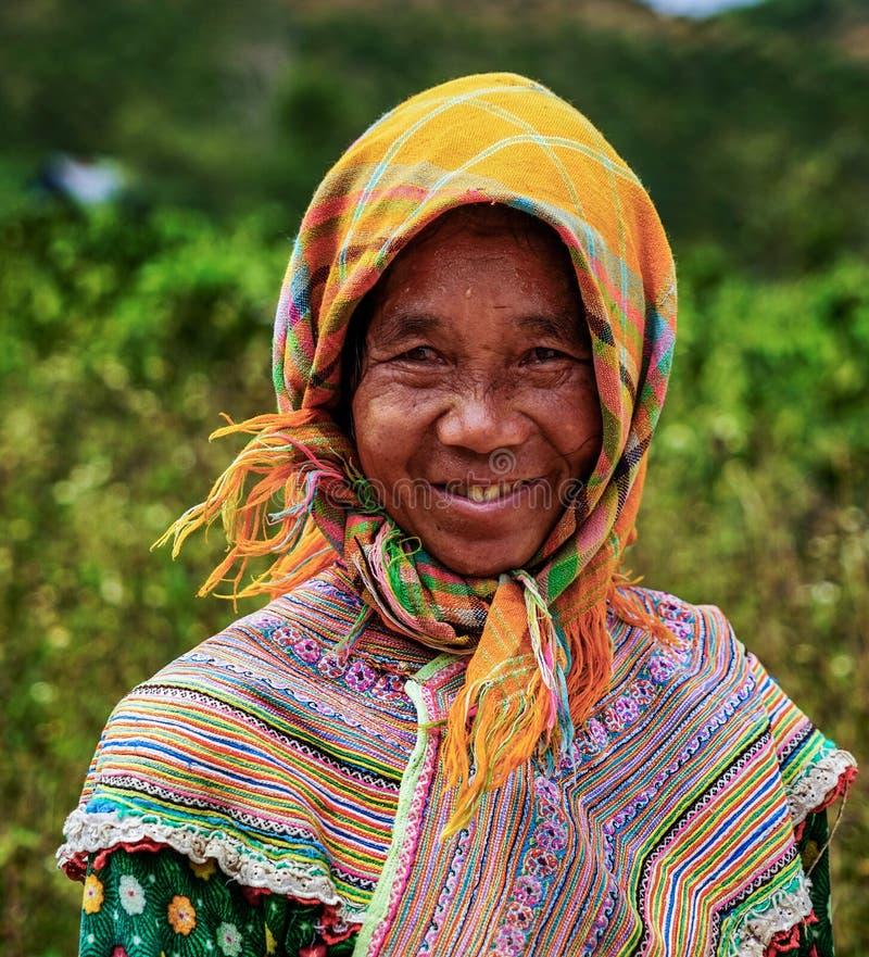 Sonrisa de una mujer étnica fotos de archivo libres de regalías