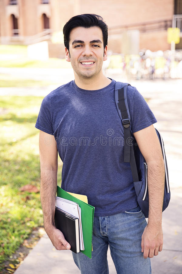 Sonrisa del estudiante masculino imagen de archivo