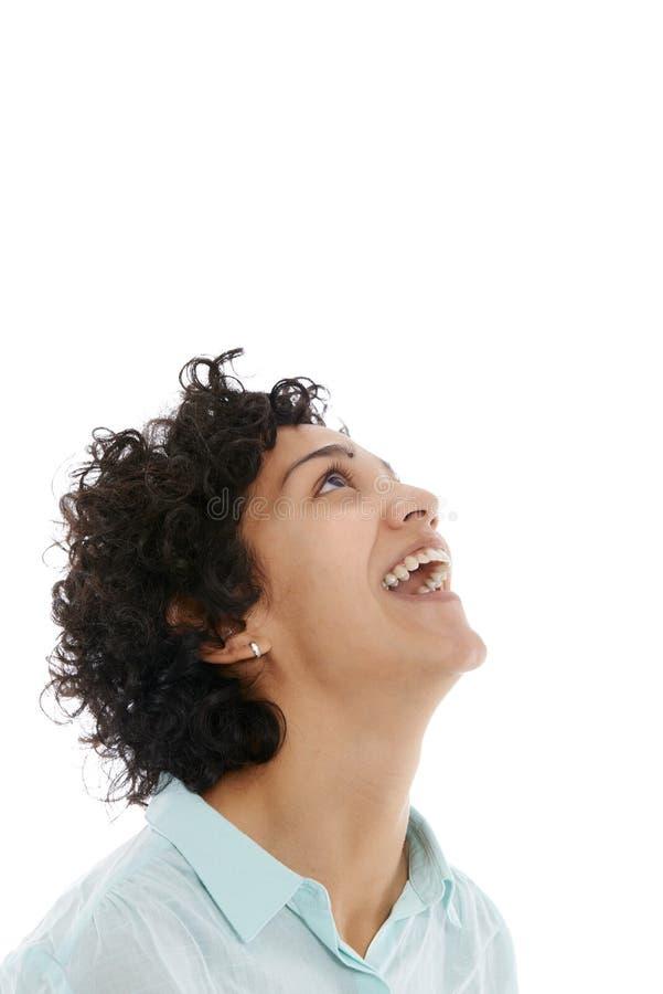 Sonrisa hispánica feliz de la muchacha confiada fotos de archivo