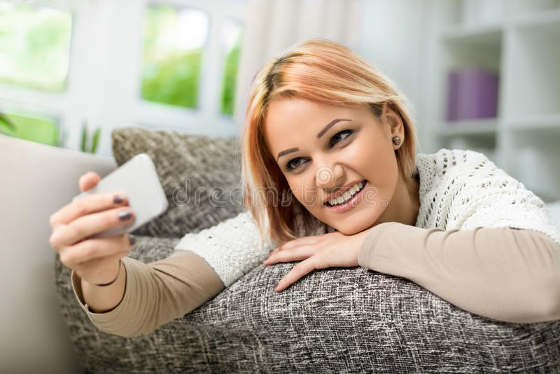 Sonrisa para la cámara foto de archivo libre de regalías