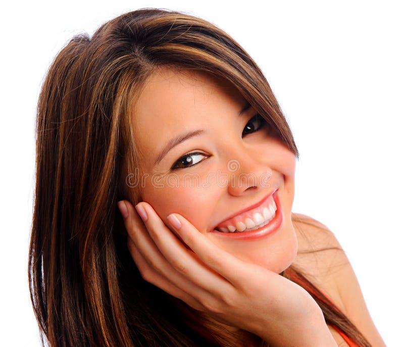 Sonrisa perfecta de la muchacha