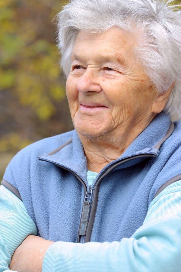 Sonrisas mayores imágenes de archivo libres de regalías