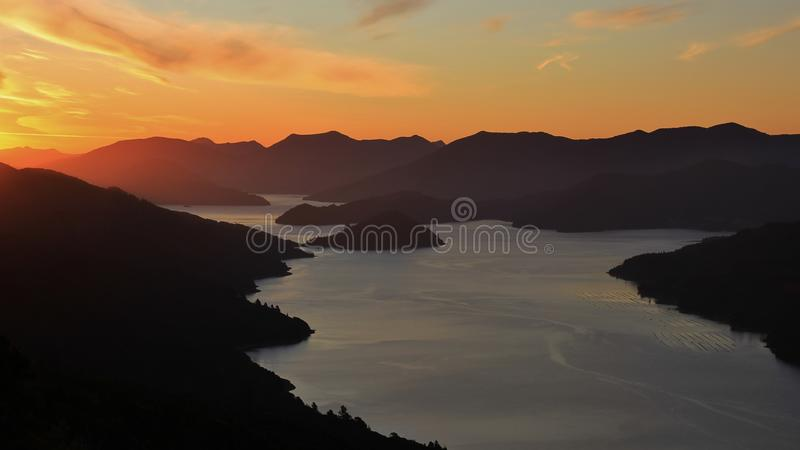 Sons de Marlborough no por do sol foto de stock royalty free