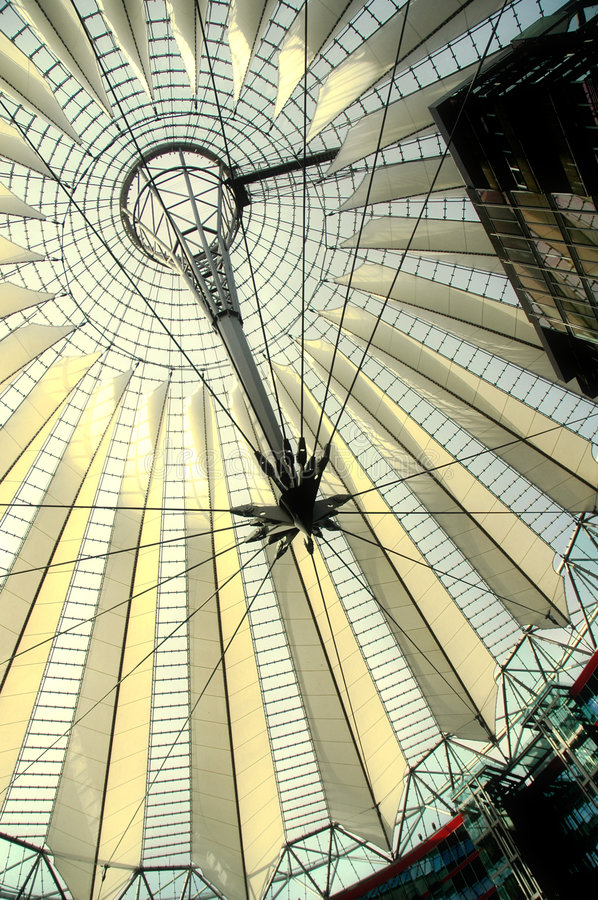 Free Sony Center In Berlin Royalty Free Stock Photography - 672137